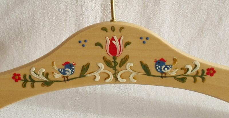 Kleinesbild - Kleiderbügel/Garderobenbügel aus Holz, 3er Set, handbemalt im Bauernmalerei- und Landhausstil -Deutsche Handarbeit- ***Versandkostenfrei***