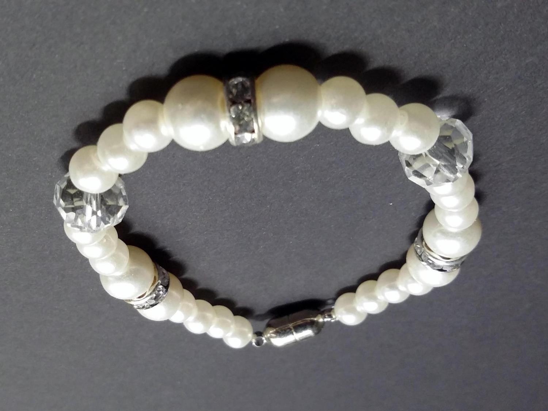 - Armband aus Wachsperlen - Armband aus Wachsperlen