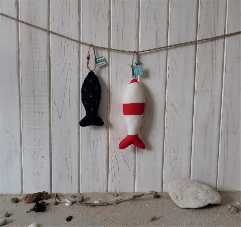 Deko-Set: zwei Fische aus Stoff - Baumwolle - maritime Deko für dein  Zuhause in weiß - rot - blau
