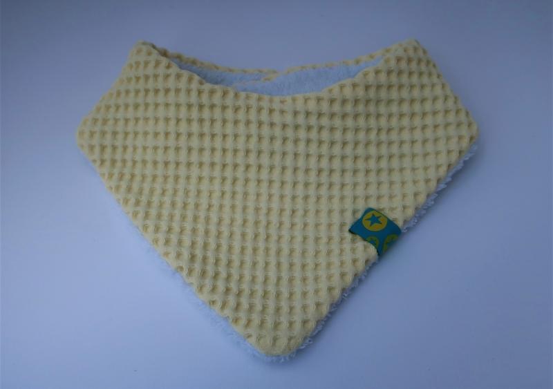 - Babyhalstuch Dreieckstuch für ein Baby - Wendehalstuch aus Waffelpique und Jersey - vanille gelb und weiß - Babyhalstuch Dreieckstuch für ein Baby - Wendehalstuch aus Waffelpique und Jersey - vanille gelb und weiß
