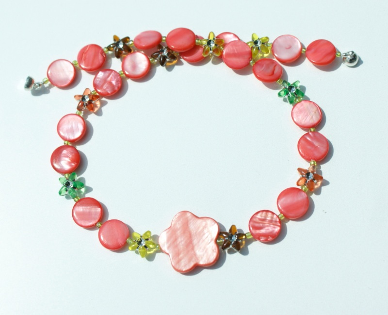 Kleinesbild - Kinderkette LACHSROT Perlmutt Sternchen bunt  Blume  Unikat glänzend leicht romantisch   Geschenk