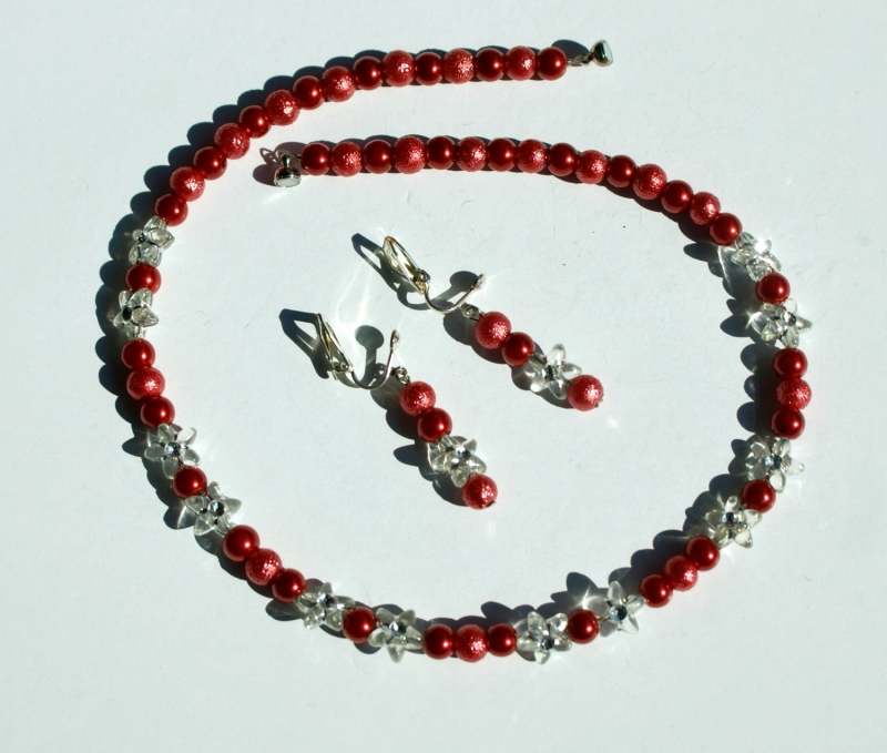 Kleinesbild - Ohrclips ROT-TÖNE runde Perlen Blütensternchen klar