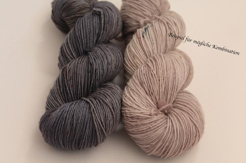 Kleinesbild - Handgefärbte Single-Merinowolle 19/12 von Farbenspielerei