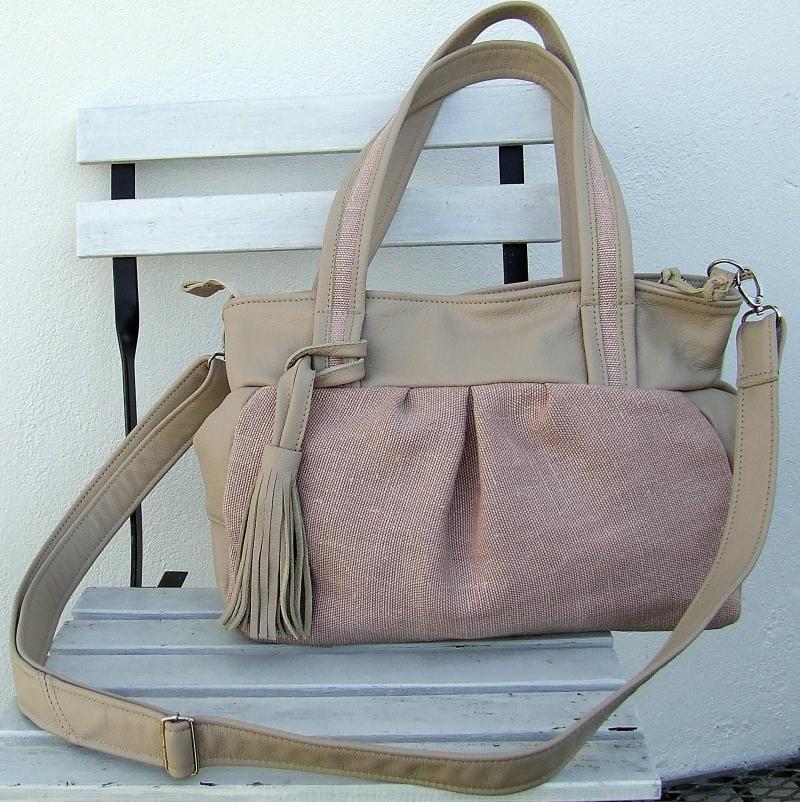 Kleinesbild - Schultertasche  Leinentasche aus rosa Leinen mit Leder beige und Quaste