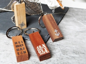 Schlüsselanhänger aus Holz - Koordinaten