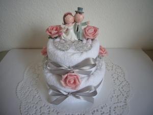 Hochzeitsgeschenk Herz Hochzeit rosa Rosen Handtuchtorte