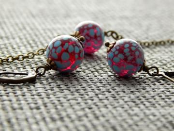 Schmuckset mit böhmischen Glasperlen in Pink mit blauen Punkten - Blaue Wolkenpunkte auf Pink
