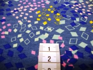Jersey mit bunten Quatraten auf jeansblau - Handarbeit kaufen