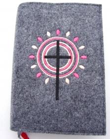 Gotteslobhülle handgefertigt aus 3mm Filz graumeliert mit Strahlen, Kreisen und Kreuz