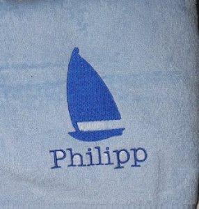 Handtuch bestickt mit Namen und Surfbrett, maritim, personalisierbar, Dieda - Handarbeit kaufen