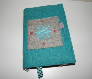 Kalenderhülle DIN A5, Buchhülle variabel, handgemacht aus reinem Wollfilz, bestickt, Kompass, Timer, Kalender, Planer, dieda
