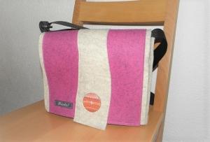 Schicke Tasche mit der Wechselklappe, rosa und hellmeliert, mit Fimoknopf, Umhängetasche, wandelbar, aus Wollfilz, handgemacht von Dieda! kaufen - Handarbeit kaufen