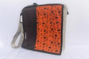 Filztasche, Tasche mit der Wechselklappe, Umhängetasche, wandelbar, aus Wollfilz, handgemacht von Dieda! kaufen - Handarbeit kaufen