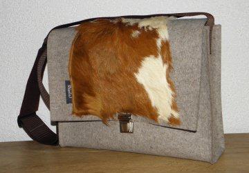 Filztasche mit Kuhfell, Mappenschloß, braun, weiß, Messenger, Schultertasche, Dieda