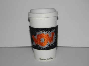 Umweltfreundlich, Coffee to go Becher Wow! Manschette aus Wollfilz, bestickt, Keramikbecher, doppelwandig, individuell, von Dieda! kaufen - Handarbeit kaufen