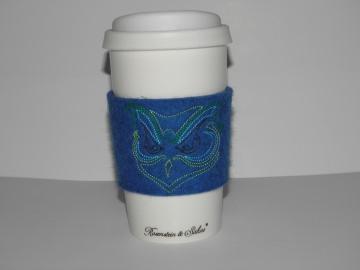 Coffe to go Becher Keramik mit Filzmanschette, bestickt, doppelwandig, Kaffee unterwegs, Silikondeckel - Handarbeit kaufen