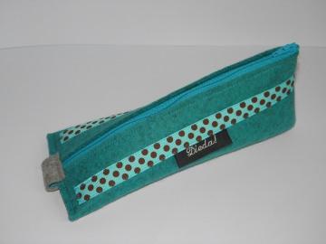 Stifteetui aus türkisfarbenem Wollfilz in einer besonderen Form mit Ripsband, Mäppchen, Schlampermäppchen
