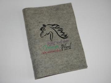 Pferdepasshülle, Impfpasshülle, Equidenpasshülle mit Spruch aus Wollfilz, eine Dieda! - Handarbeit kaufen