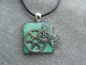 grün-silberne Steampunk Halskette mit Zahnrädern, Mängelexemplar