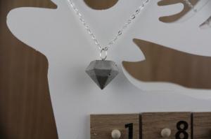 Betonschmuck | Halskette | Diamant groß | Edelstahl