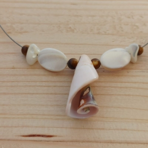 Halskette Trompeten-Schnecke - Handarbeit kaufen