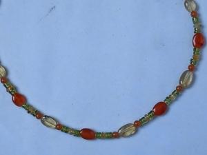 Zierliche Halskette Peridot, Cirtin, Karneol, Aventurin - Handarbeit kaufen