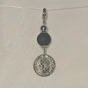 Schlüsselanhänger Taschenbaumler -zum Beduften- Lava schwarz u. Münze-Anhänger - Handarbeit kaufen