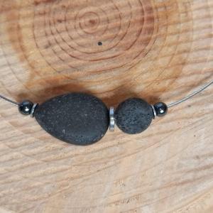 Halsreif -zum Beduften- mit schwarzen Lavaperlen und Hämatit - Handarbeit kaufen