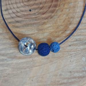 Lederbandkette -zum Beduften- mit blauen Lavaperlen u. Drahtperle - Handarbeit kaufen