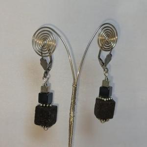 Ohrhänger -zum Beduften- Lava- u. Hämatit-Würfeln schwarz silber - Handarbeit kaufen