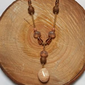 Halskette mit böhm. Glasperlen u. Seidenlitze in beige - Handarbeit kaufen