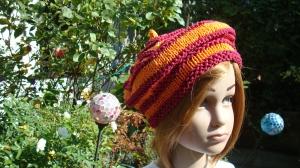 handgestrickte Baskenmütze, weinrot-orange gestreift aus Baumwolle