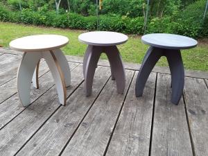 cooler RAKETENHOCKER oder Beistelltisch aus Holz MDF farbig