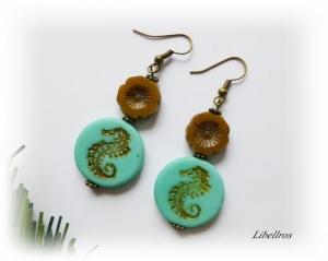 1 Paar bronzefarbene Ohrhänger mit Seepferdchen türkis - Ohrringe mit Glasperlen
