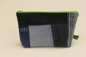 Universaltäschchen - Upcycling Jeanshosenteile mit grünem Cordfutter