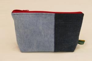 Universaltäschchen - Upcycling Jeanshosenteile mit rotem Cordfutter