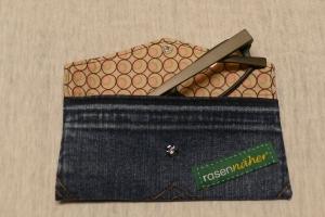 Universaltäschchen - Upcycling Gesäßtasche Jeanshose + Stoffrest