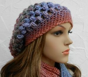 Beanie, Wintermütze in jeansblau, rot, violett, grau - Polyacryl Mix - weich - Handarbeit kaufen