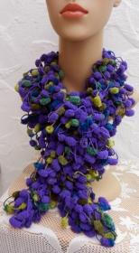 Pompon Schal in violett, oliv, grün, blau - Microfaser - Handarbeit kaufen