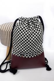 stilvoller Turnbeutel ♥ Schachbrett ♥ Kunstleder in bordeaux und schwarze Baumwollkordel  - Handarbeit kaufen
