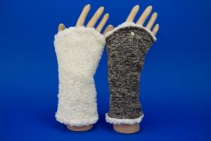 Armstulpen zum Wenden in creme und braun Melange ♥ aus Strick und Teddyplüsch für Erwachsene - Handarbeit kaufen