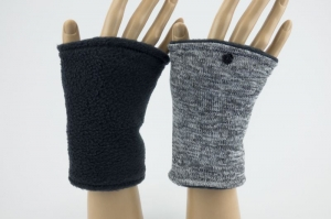 Pulswärmer zum Wenden in Grautönen für Erwachsene ☆ kurze Armstulpen mit Polarfleece  - Handarbeit kaufen