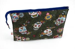 Kosmetiktasche ♥Sugarskull♥ kaki mit hellblau und 3 Fächern ♡ Dia de los Muertos ♡ Taschenorganizer für Kosmetik und mehr