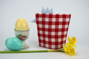Eierwärmer KÜKEN ♡ rot-weiß-karierte Baumwolle ♡ auch eine tolle Dekoration ♡ nicht nur für Ostern - Handarbeit kaufen