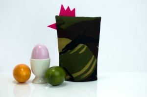 Eierwärmer FRAU HAUPTMANN ★ Pink ★ Camouflage Flecktarn ♡ auch eine tolle Dekoration ♡ nicht nur für Ostern - Handarbeit kaufen