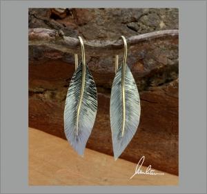 Ohrringe, Ohrhänger Handarbeit in Silber strukturiert mit goldener Blattnarbe - Handarbeit kaufen