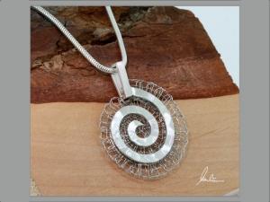 Anhänger Labyrinth in Silber und Edelstahl  in Handarbeit hergestellt - Handarbeit kaufen