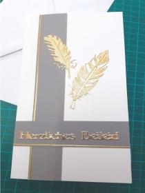 Beileidskarte, Trauerkarte mit Umschlag in grau-goldenem Design Federn, Trauer, Verstorben, Beileid - Handarbeit kaufen
