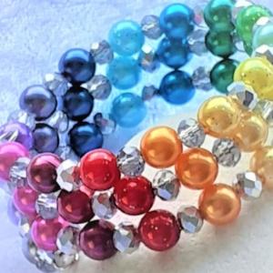 """Perlen-Armreifen """"Ein Regenbogen aus Perlen""""  handgearbeitet * - Handarbeit kaufen"""