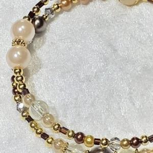 Armreifen, zauberhafte Perlenkombination in Gold- und Brauntönen, handgearbeitet - Handarbeit kaufen